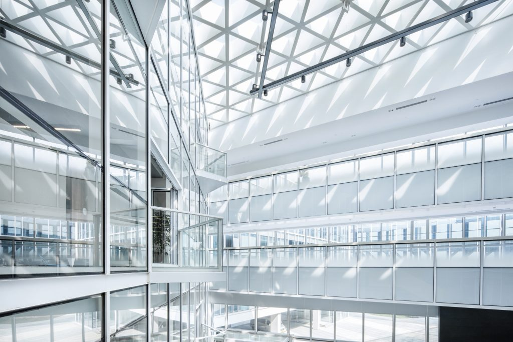 Como importar Material de Escritório da China Prédio parte interna branca e vidros