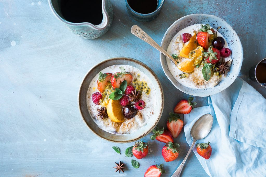 Como importar produtos Alimentícios e Nativos da China Bowl com leite e frutas