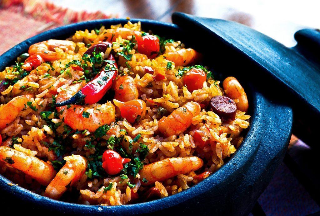 Como importar produtos Alimentícios e Nativos da China Arroz com temperos e camarão em panela de preta de barro